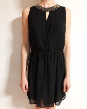 Schönes kleines Schwarzes von Zara mit Perlenkragen