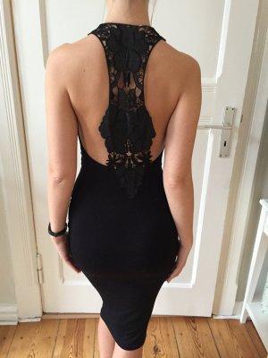 Schönes, körperbetontes Kleid mit Spitze