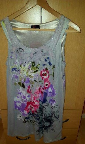 schönes kurzes Kleid