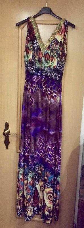 Schönes langes Kleid