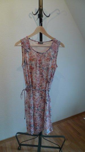 Schönes langes Kleid von Street One