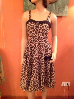 Schönes Leo-Kleid  von H&M