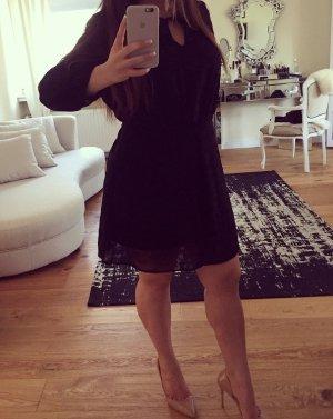 Schönes luftiges schwarzes Kleid!