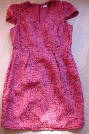 Schönes Mini-Kleid mit Muster