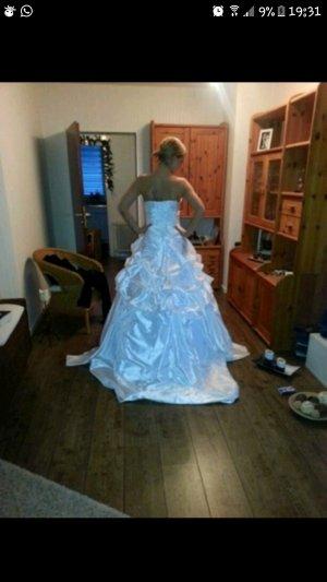 schönes neues Brautkleid