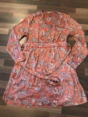 Schönes Orsay Kleid