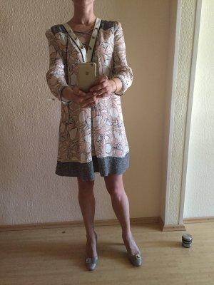 Schönes Patrizia Pepe Kleid