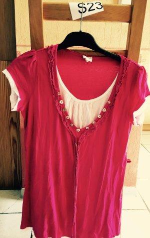Schönes Pink-Weißes Sommerhirt