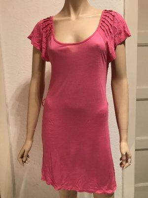 Schönes Pinkes Kleid