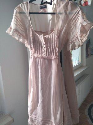Schönes Rosafarbenes Kleid