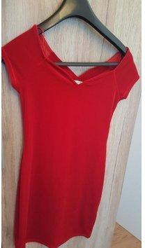 Schönes rotes Kleid in Samtoptik von Miss Selfridge