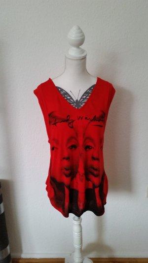 Schönes rotes Pepe Jeans Oberteil mit Andy Warhol Print. Kurze Ärmelchen.