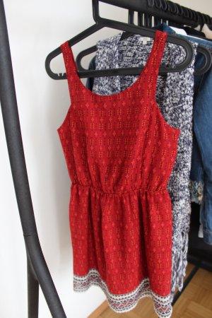 H&M Robe découpée rouge brique-blanc