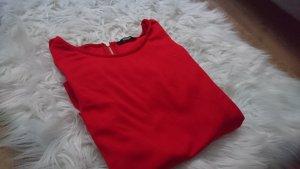 Schönes rotes T-shirt Größe S/M