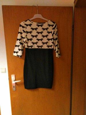 Schönes Schleifen Kleid, leider ungetragen