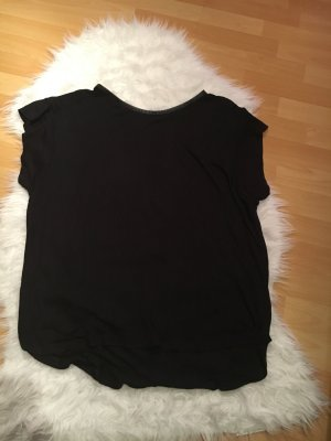Schönes schlichtes weites schwarze Shirt