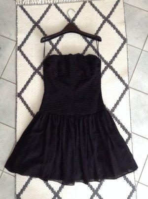Schönes schwarzes Cocktailkleid von Zara