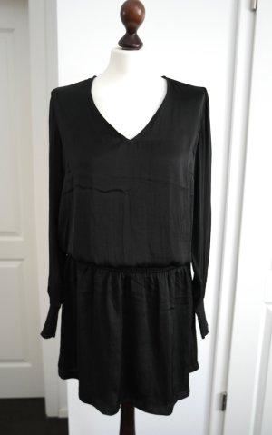 Schönes schwarzes  Kleid in Seidenoptik mit Ärmeln von Gestuz **ungetragen**
