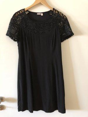 Schönes schwarzes Kleid von Esprit