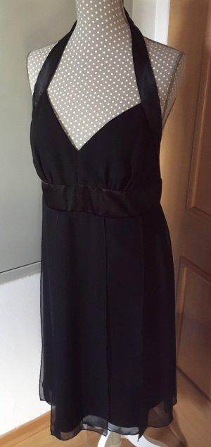 Schönes schwarzes Neckholder Kleid