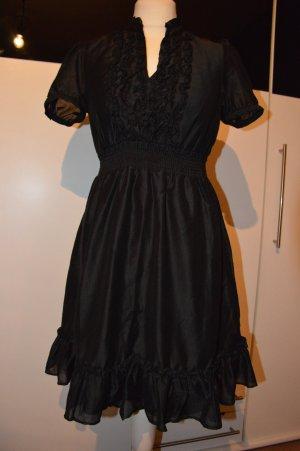 schönes schwarzes RüschenKleid