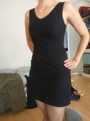 Schönes schwarzes Sommerkleid Sublevel M
