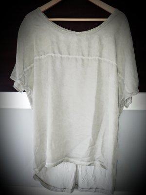 Schönes Shirt in hellem Oliv - Gr. 36/38