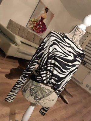 Schönes shirt mit angesagtem animal print