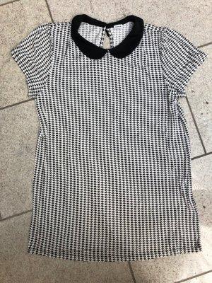 Schönes Shirt mit schwarzem Kragen! Gr. 40/42