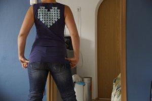 **Schönes Shirt von Pepe Jeans mit bunten Bändern an den Schultern**