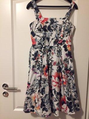 Schönes Sommerkleid