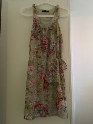 Schönes Sommerkleid / Blumenkleid