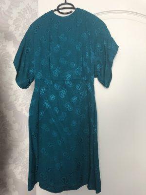 schönes sommerliches Kleid von Mango Suit