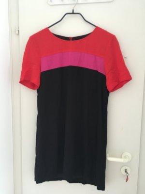 Schönes T-Shirt Kleid in Blockfarben