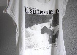 schönes T-Shirt von Review