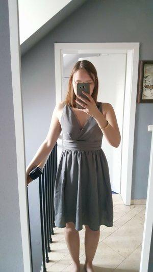 Schönes taube-farbenes Sommerkleid von Vero Moda