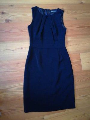 Ashley Brooke Vestido ceñido de tubo azul oscuro