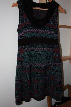Schönes ungetragenes Kleid von Tandem /Transit par such