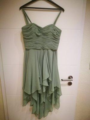 Schönes Vokuhila-Kleid mit Stola