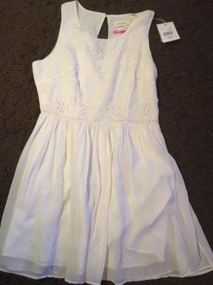 Schönes weiße Kleid von naf naf in 42 aus Brüssel