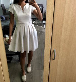 Schönes weißen Kleid
