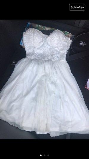 ~schönes Weisses Kleid ~
