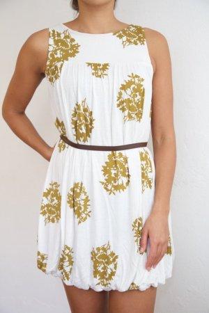 Schönes weißes Kleid für viele Anlässe