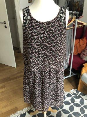 Schönes zweiteiliges Kleid von Vila