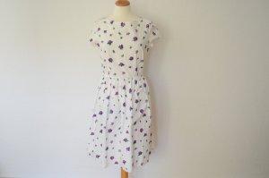 schönstes Couture Kleid mit Blümchen Print und kurzen Armen