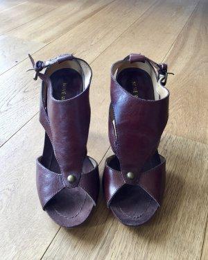 Schokoladenbraune Leder High-heels