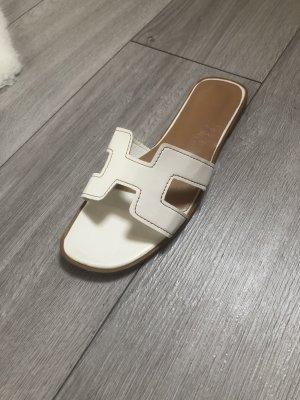 Sandale d'extérieur blanc-beige