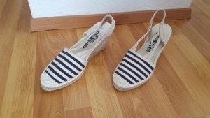 Schuh mit Keilabsatz