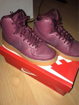 Nike High Top Sneaker bordeaux