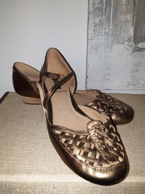 Zapatos Oxford con puntera color bronce